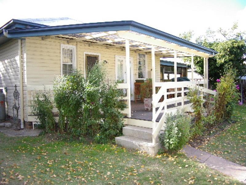 140 Bridge Street, Uralla, NSW 2358