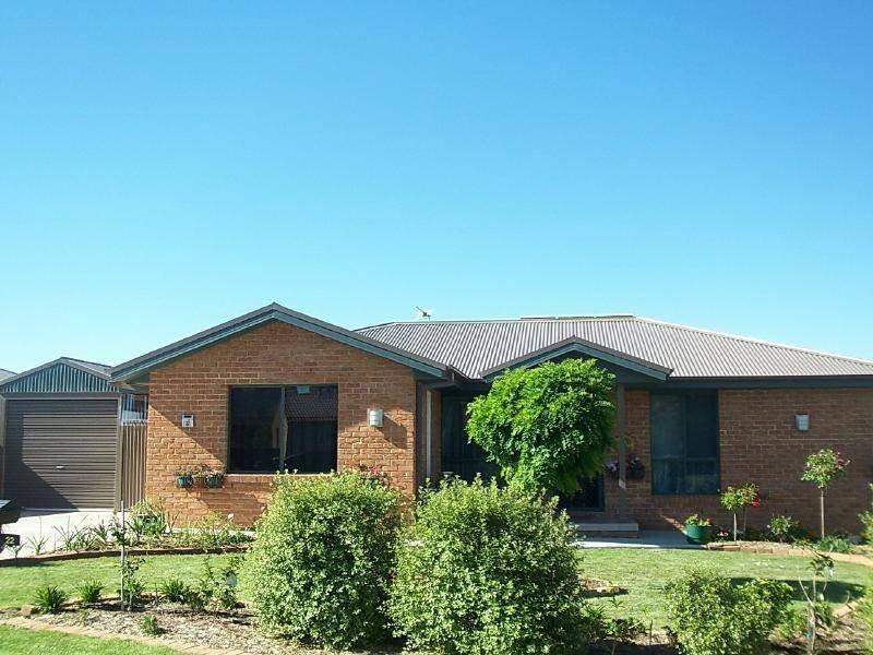 22 Pinkstone Avenue, Cootamundra, NSW 2590