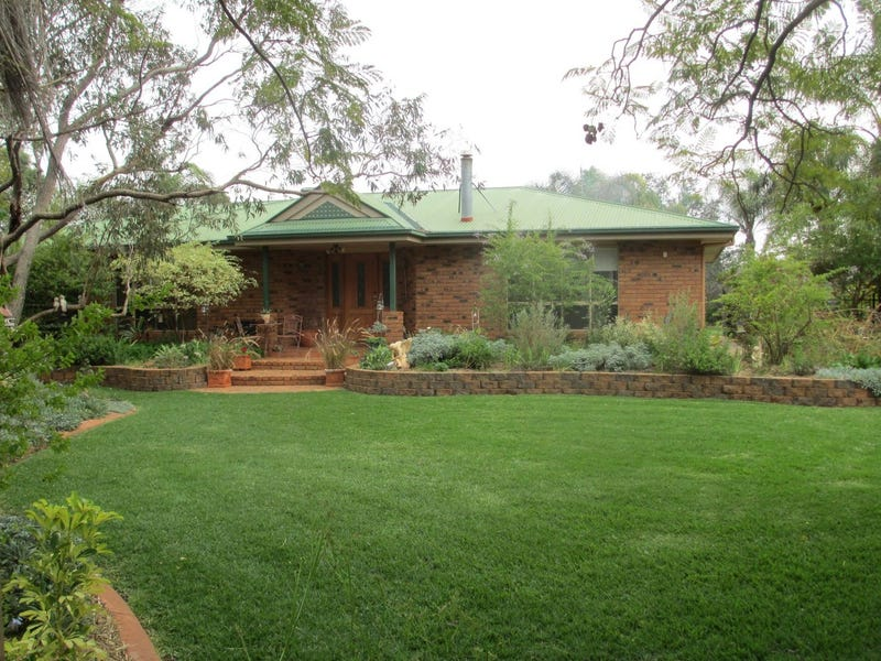 'Warragul Springs' The Range Road, Roma, Qld 4455