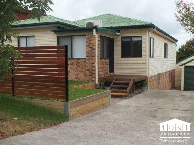 13 Emily Street, Marks Point, NSW 2280