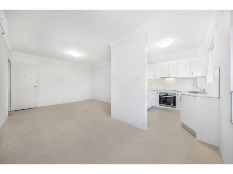 8/3 Alexandra Avenue, Westmead, NSW 2145