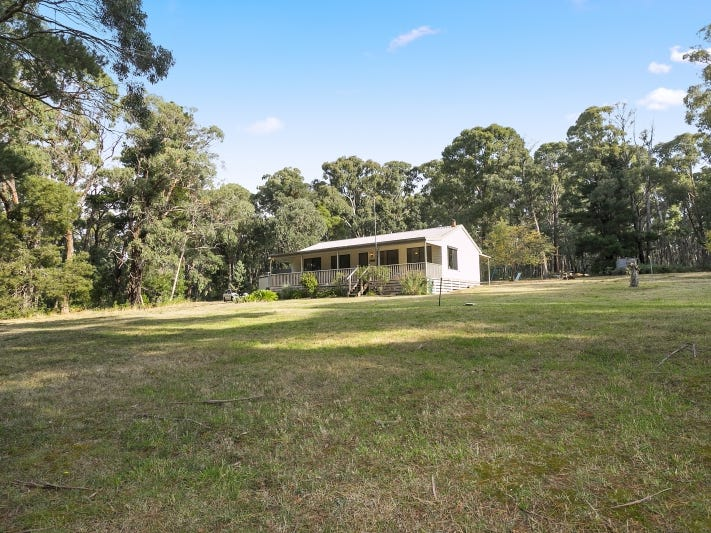 40 Cemetery Road, Eganstown, Vic 3461