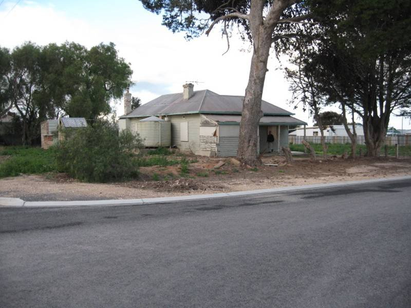 16-18 Annie Watt Street, Price, SA 5570