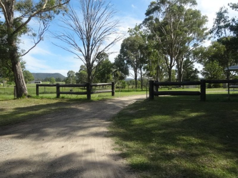 975 Sandy Creek Rd, Quorrobolong, NSW 2325