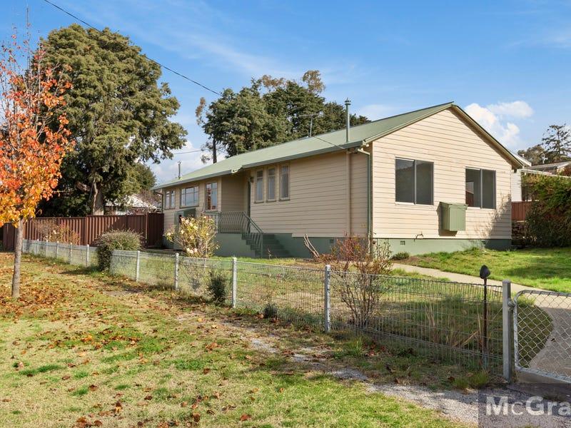27  Baroona Avenue, Cooma, NSW 2630