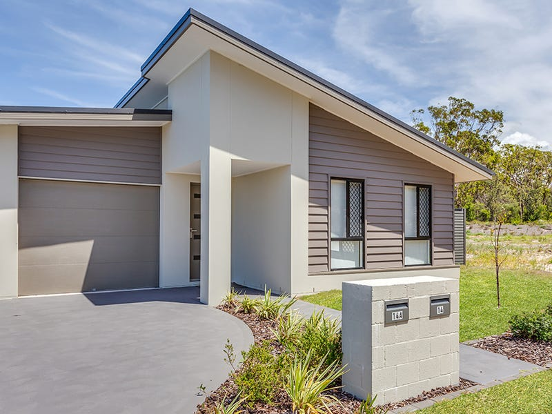 14 Tuckeroo Circuit, Fern Bay, NSW 2295