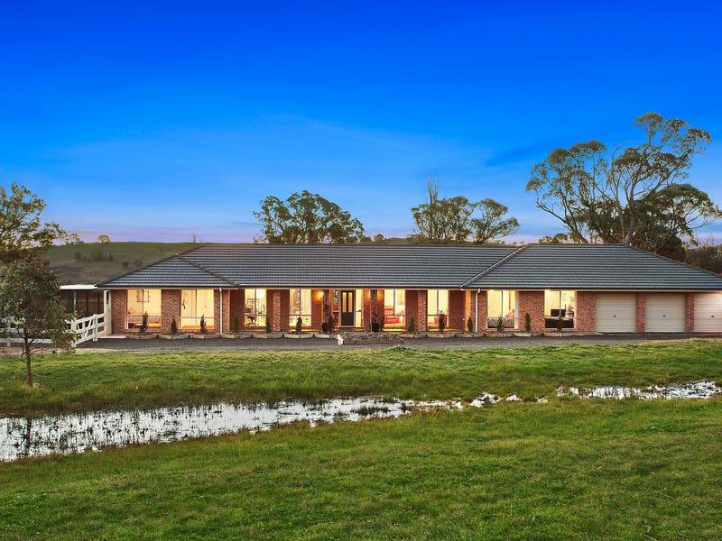 25 Flora Place, Royalla, NSW 2620