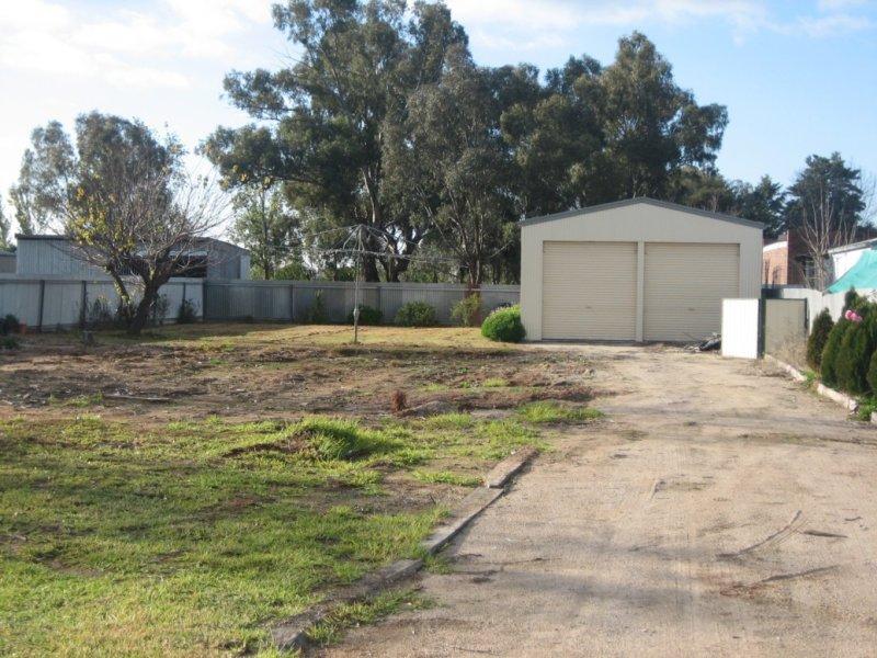 5 Wollamai St, Finley, NSW 2713