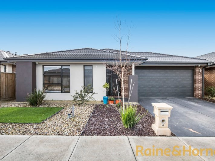 63 GYRFALCON WAY, Doreen, Vic 3754