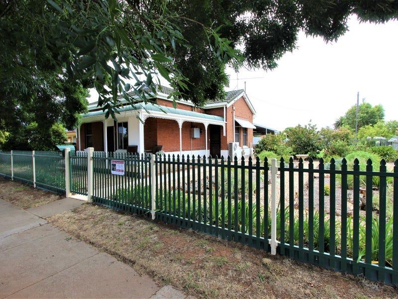245 Hoskins Street, Temora, NSW 2666
