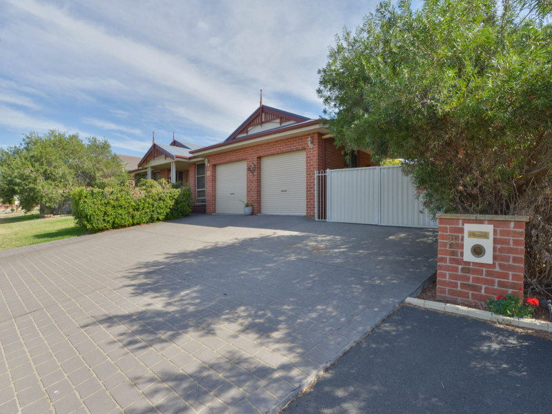 21 Warburton Drive, Westdale, NSW 2340