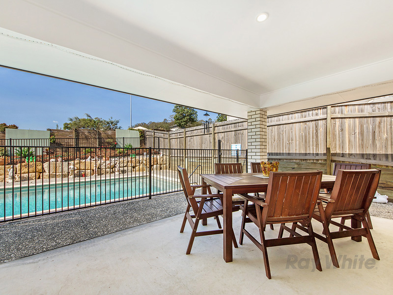 50 McLachlan Circuit, Willow Vale, Qld 4209