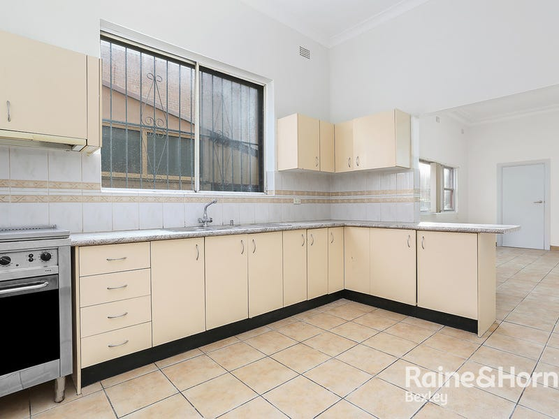 1/329 Forest Road, Bexley, NSW 2207
