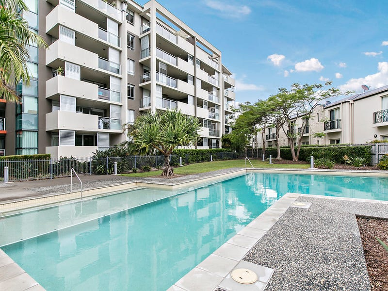 1602 12 Executive Drive, Burleigh Waters