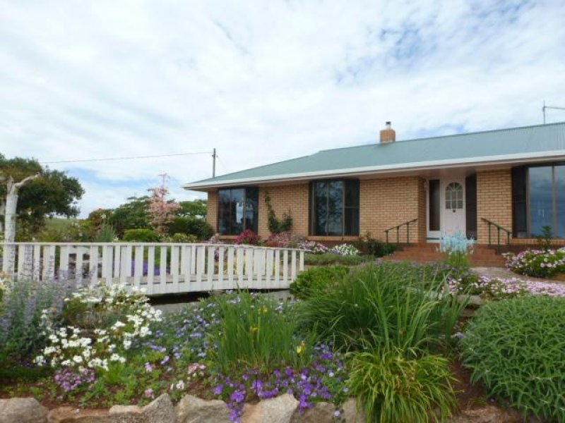 ** Racecourse Road, Winnaleah, Tas 7265