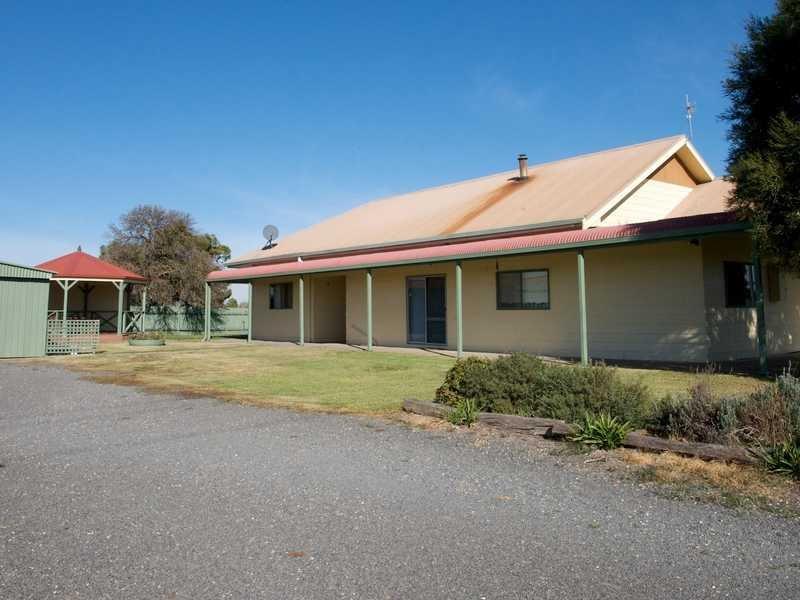 24 Riverside Road, Dooen, Vic 3401