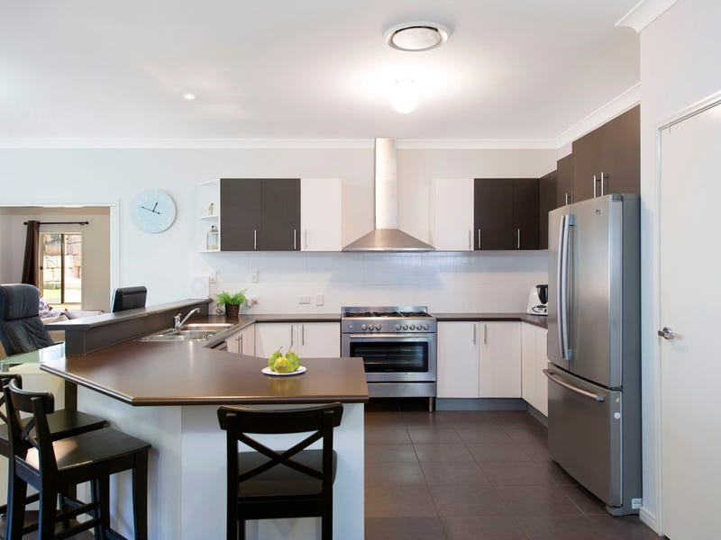 11 Rise Place, Moggill, Qld 4070