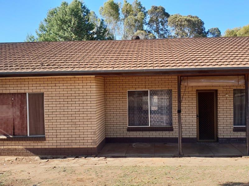28 Moorhouse Tce, Riverton, SA 5412