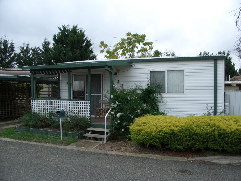 2 The Pines Avenue, Symonston, ACT 2609