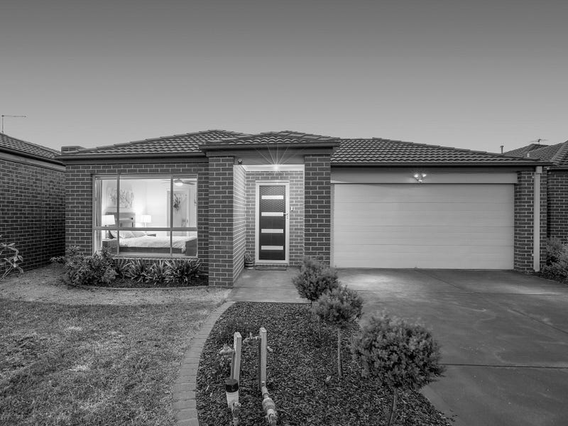 24 Elwick Drive, Clyde North, Vic 3978