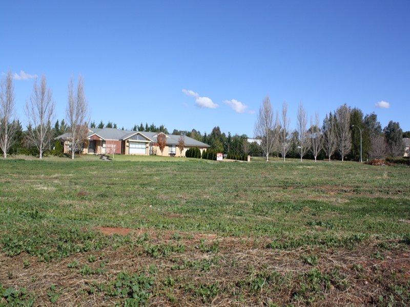 15 Elizabeth Drive, Lake Wyangan, NSW 2680