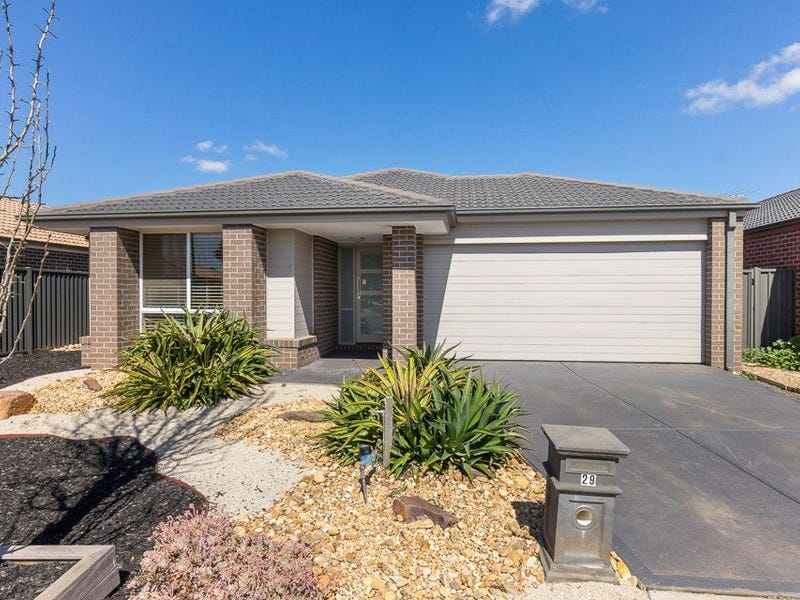 29 Clearwater Rise Parade, Truganina, Vic 3029