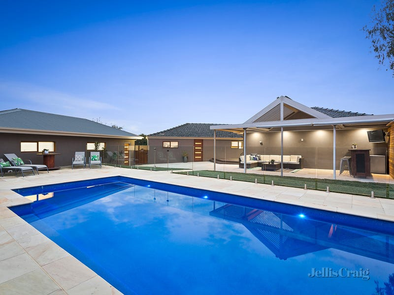 5 Thaxted Court, Watsonia North, Vic 3087