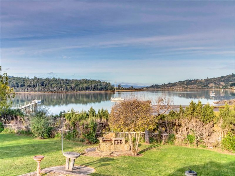 74 Gravelly Beach Road, Blackwall, Tas 7275