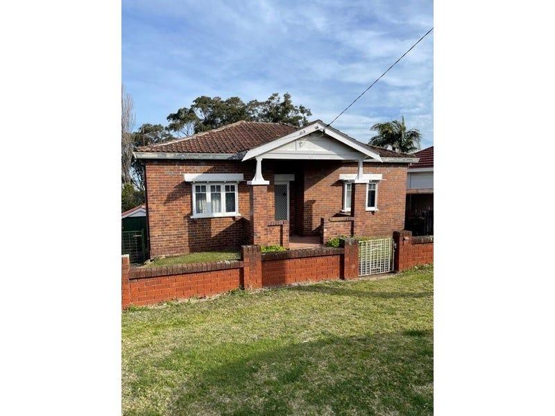 61 Bridge Street, Coniston, NSW 2500
