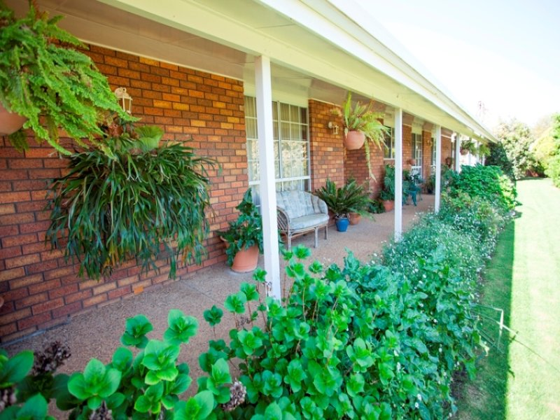 96 River Road, Alfredtown, NSW 2650