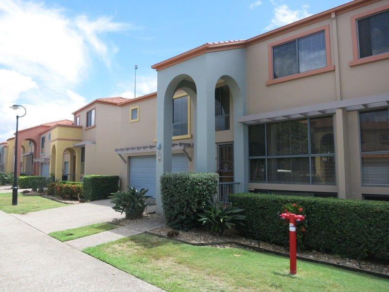 Villa at 20 Fairway Drive, Clear Island Waters, Qld 4226