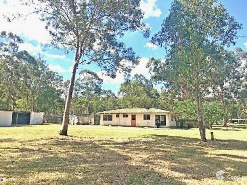 19 Naomi Court, Lockyer Waters, Qld 4311
