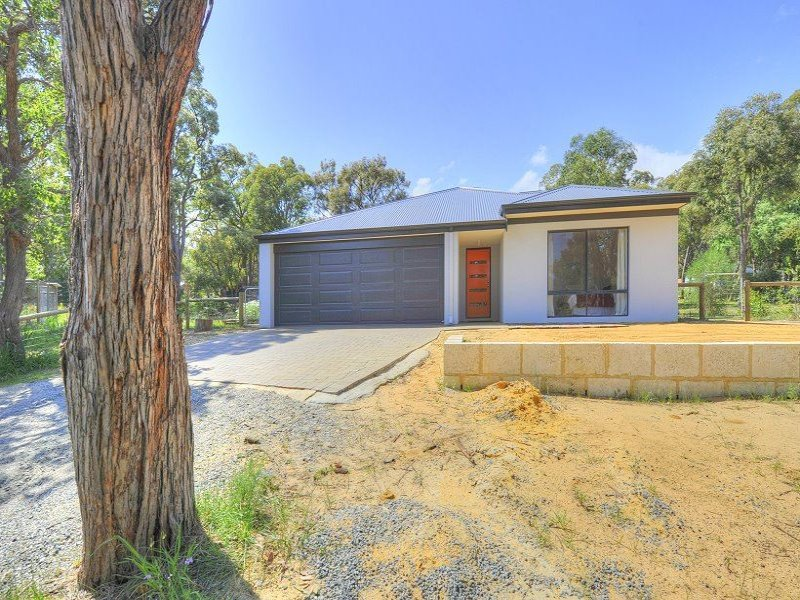 1 Williams Place, Waroona, WA 6215