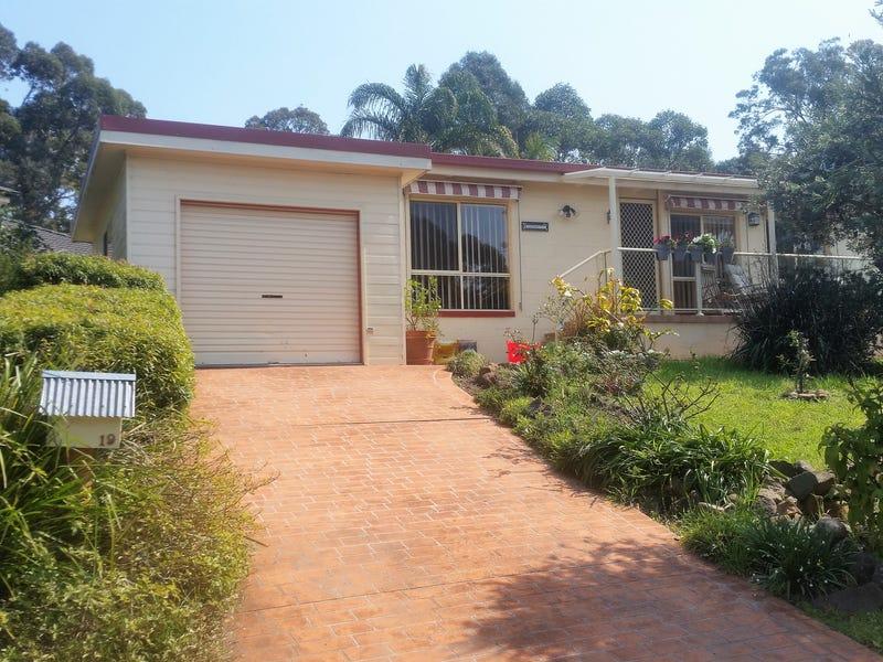 19 Woodglen Crescent, Mollymook Beach, NSW 2539