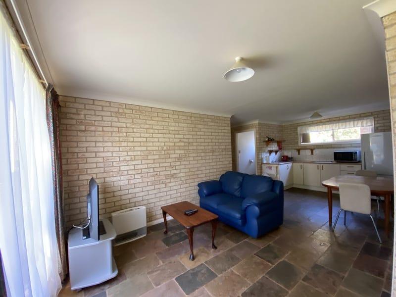 Unit/2b Kerrabee Close, Port Macquarie, NSW 2444
