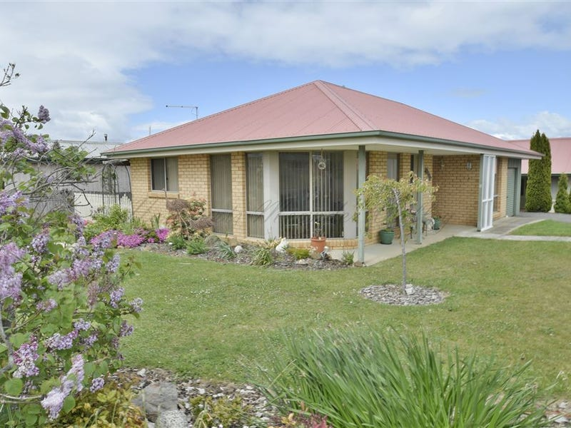 1/2 Casey Court, Deloraine, Tas 7304