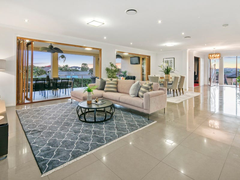 11 Grasmere Place, Carindale, Qld 4152