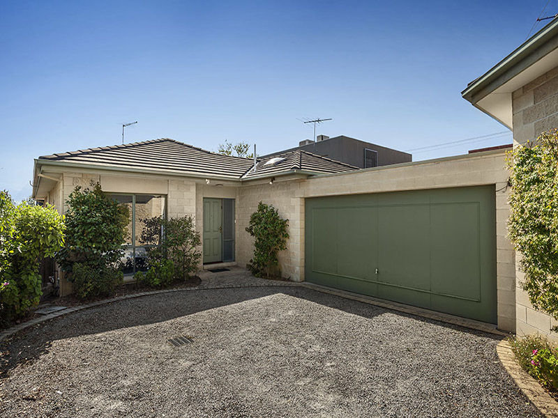 2/57 Begonia Road, Gardenvale, Vic 3185