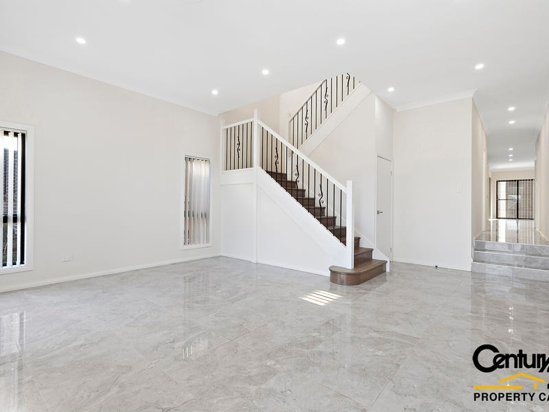 26 Feathertop Ave, Minto, NSW 2566