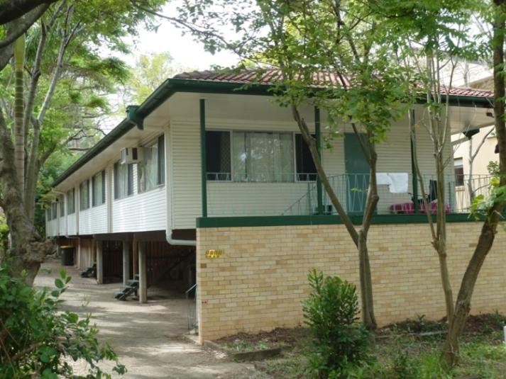19 Waverley Rd, Taringa, Qld 4068