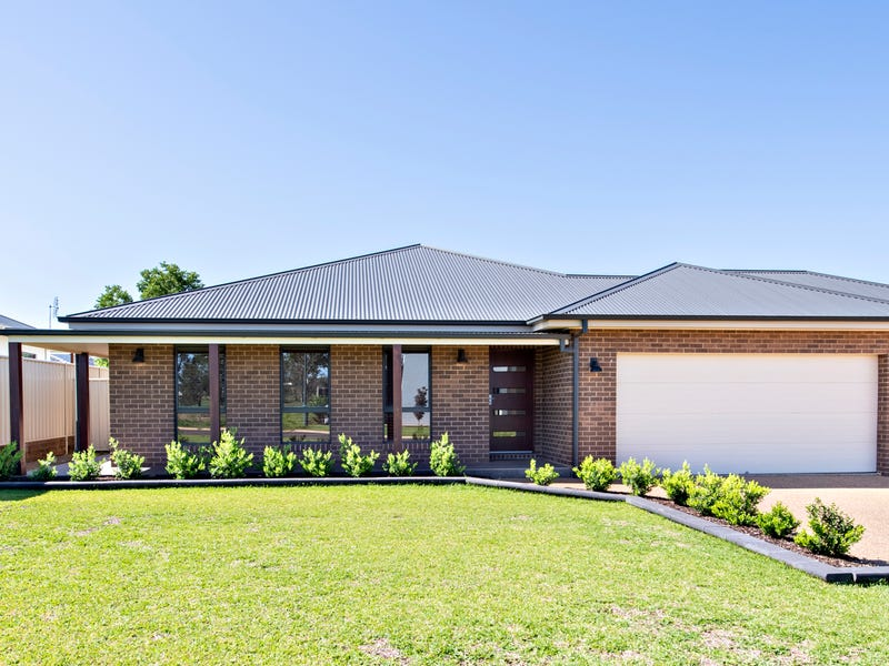 65 Lakeside Circuit, Dubbo, NSW 2830