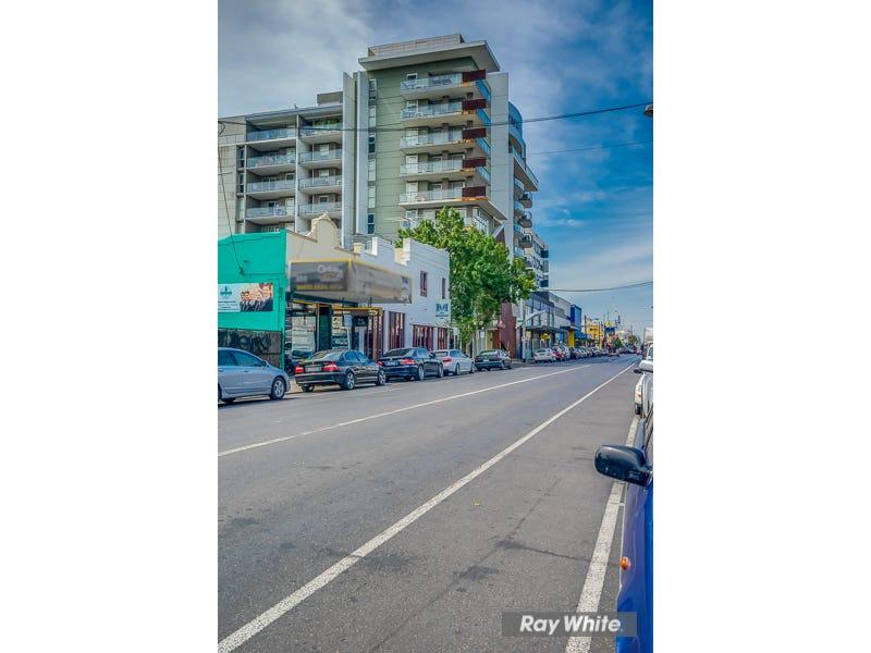 501/240 BARKLY STREET, Footscray