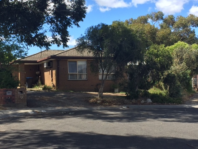 4 Earls Court, Golden Square, Vic 3555