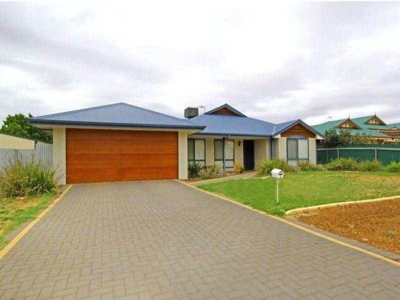 5 Berry Way, Broadwood, WA 6430