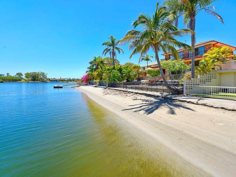 82 Oceanic Drive, Mermaid Waters, Qld 4218