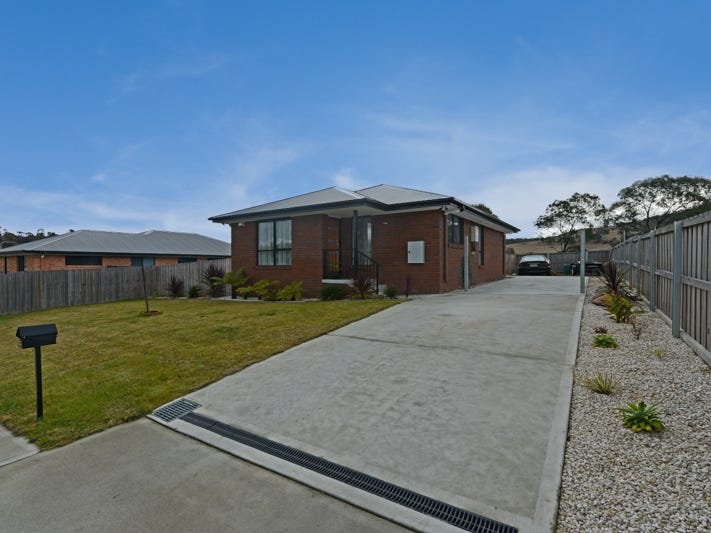 8 Barrob Street, Old Beach, Tas 7017