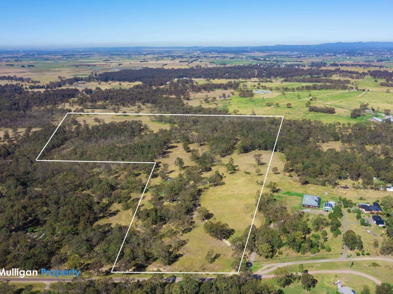 4 Giles Road, Seaham, NSW 2324