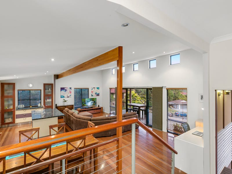 16 Clipperton Chase, Pacific Pines, Qld 4211