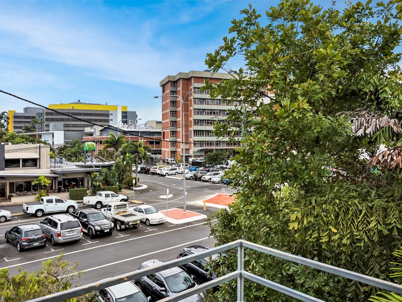 12/221 Lake Street, Cairns North, Qld 4870