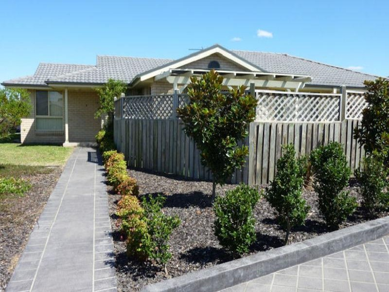 1/24 Hibiscus Cres, Aberglasslyn, NSW 2320